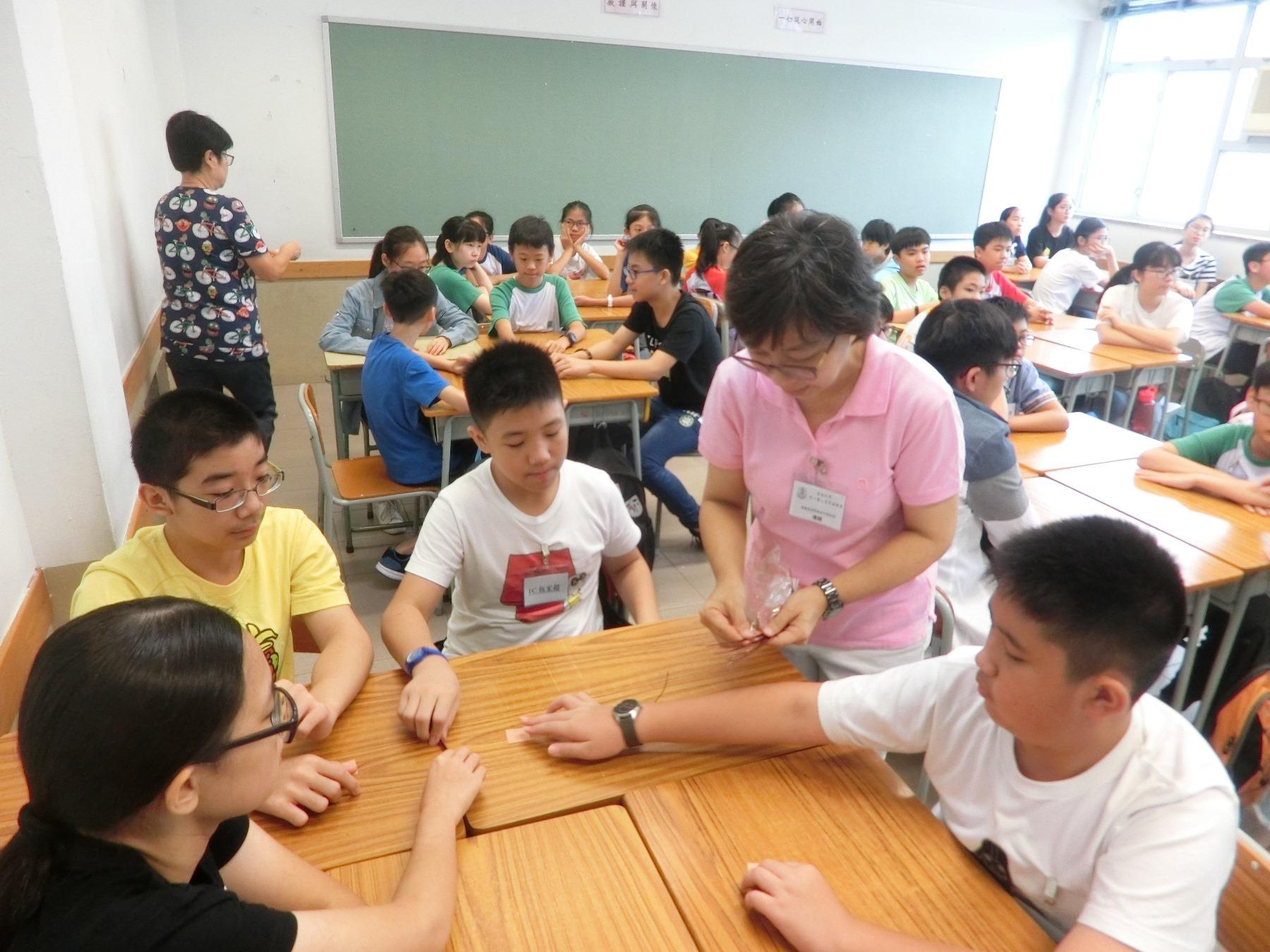 https://www.npc.edu.hk/sites/default/files/1c_qu_wei_xiao_shi_yan_02.jpg