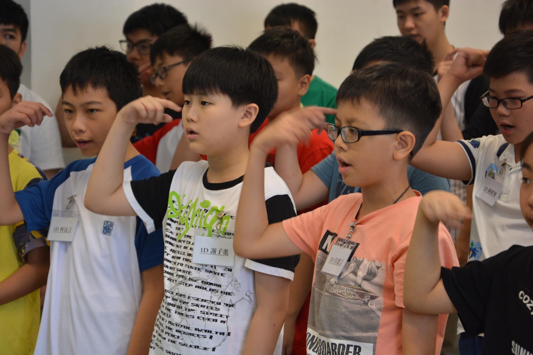 http://www.npc.edu.hk/sites/default/files/1d_zhong_ying_bing_chong_ying_jie_tiao_zhan_20170816_02.jpg