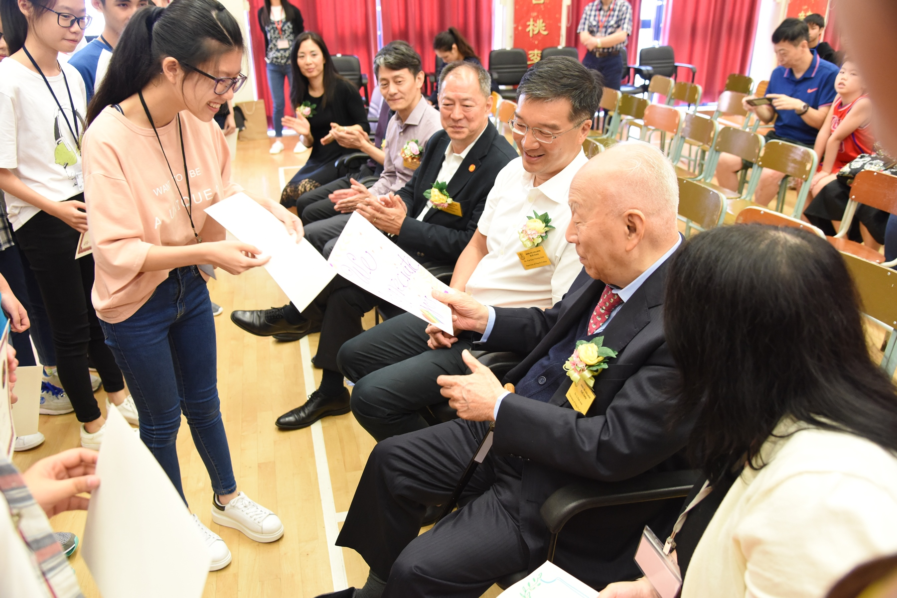 http://www.npc.edu.hk/sites/default/files/dsc_0263_1.jpg