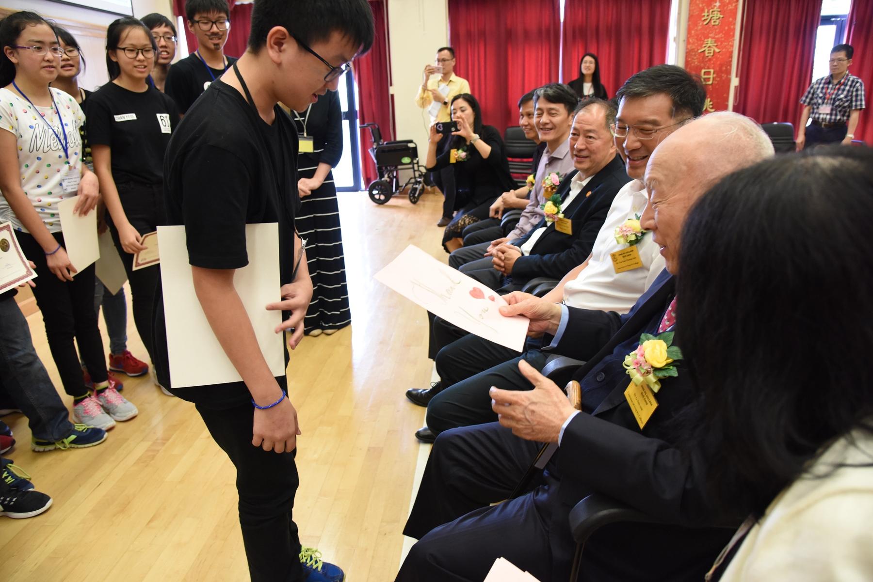 http://www.npc.edu.hk/sites/default/files/dsc_0276_1.jpg